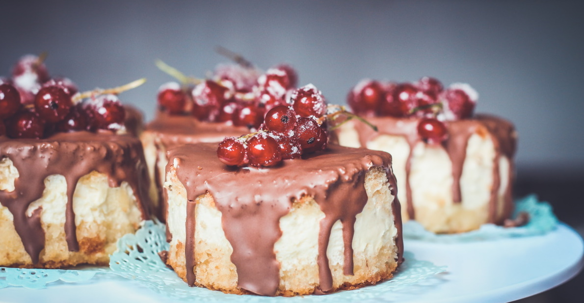 cakes with chocolate